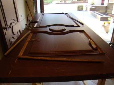 Отделка металлических дверей
