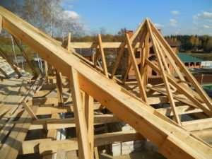 Как сделать на дачном домике недорогую крышу