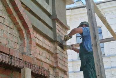 Как оштукатурить наружную стену своими руками