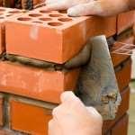 Как класть стены из кирпича
