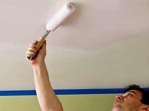 Как избавиться от полос на потолке после краски?