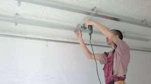 установка реечного потолка своими руками.
