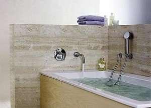 Как выбрать смеситель для ванной по способу монтажа?