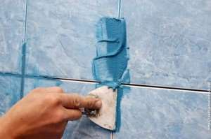 Затирка швов при укладке плитки
