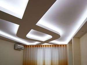 Потолок изи гипсокартона с подсветкой