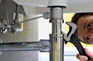 В чем опасность самостоятельного ремонта сантехники?