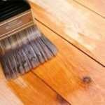 Защита напольного покрытия из дерева паркетным лаком