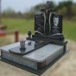 Заказывайте надгробные плиты и памятники на лучших условиях