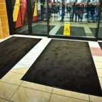 Аренда грязезащитных ковров: особенности, преимущества и недостатки