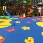 Как обезопасить своего ребенка от травм на игровой площадке