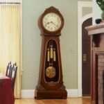 Напольные часы как деталь интерьера