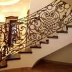Почему в домах устанавливают кованые лестницы