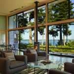 Панорамные окна в частном доме: плюсы и минусы