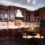 В чем заключаются особенности и преимущества фабричных кухонь?