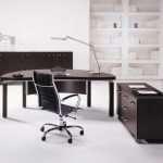 Правильный подход к выбору стола для кабинета руководителя