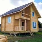 Дома из бруса – долговечность, надежность и простота строительства