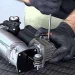 Ремонт компрессора пневмоподвески: основные неисправности