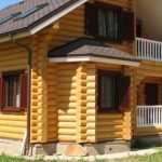 Дом из оцилиндрованного бревна — прекрасный вид и комфорт