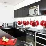 Особенности стеклянного фартука на кухню