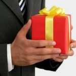 Выбираем подарок коллеге в декрет