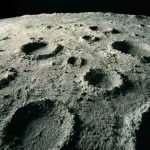 Китайские ученые обнаружили более 100 тысяч кратеров на Луне